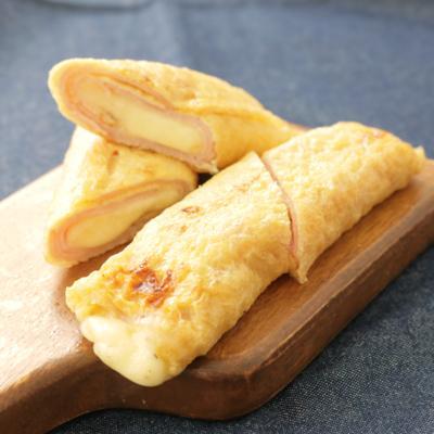 油揚げでモッツァレラチーズとハムのブリトー風