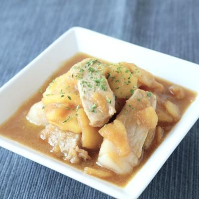 豚ロース肉のりんごソース煮