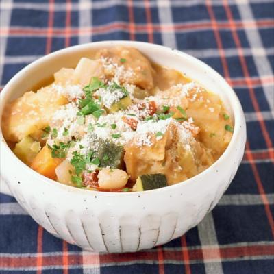 イタリアの食べる スープ リボリータ