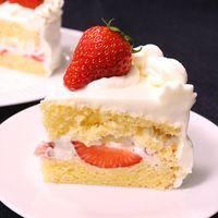 誕生日ケーキに!いちごのデコレーションケーキ