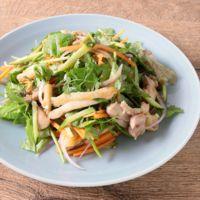 鶏もも肉と彩り野菜の中華風サラダ