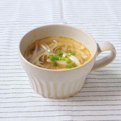 もやしときのこの酸辛スープ