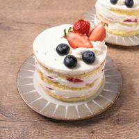 ちいさな苺のショートケーキ