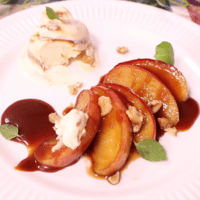 りんごの黒糖ソテーキャラメルソース