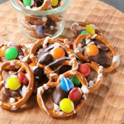 カラフルチョコレートプレッツェル