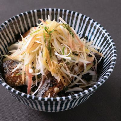 缶詰で簡単 薬味たっぷりイワシ丼