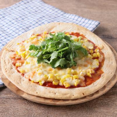 とうもろこしとパクチーのタイ風ピザ