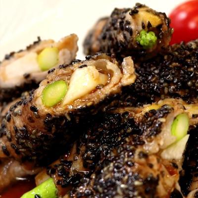 アスパラと長芋の豚肉ロール黒ごま焼き