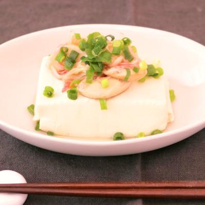 サッパリ 湯豆腐の甘酢カニカマのせ