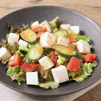ピリ辛ドレッシングの豆腐サラダ