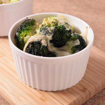 ぺペロンチーノ風ブロッコリーのチーズ焼き