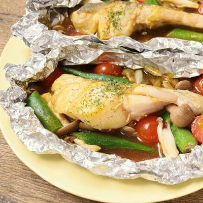 簡単 タラと彩り野菜のカレー風味ホイル焼き