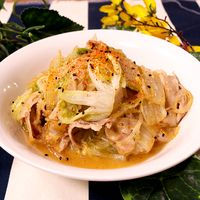 白菜と豚バラの味噌煮込み