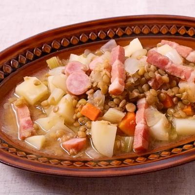 野菜たっぷりドイツの家庭料理アイントプフ