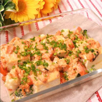 サケ缶と豆腐の味噌グラタン