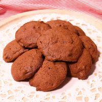 スプーンでチョコレートクッキー