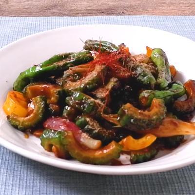 ゴーヤと彩り野菜の麻婆風みそ炒め