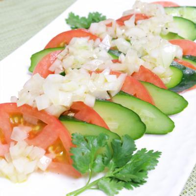 玉ねぎドレッシングのトマトサラダ