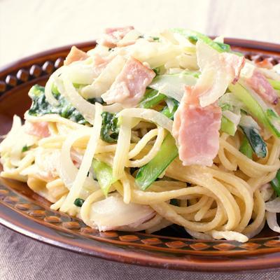 小松菜とベーコンのクリームスパゲティ