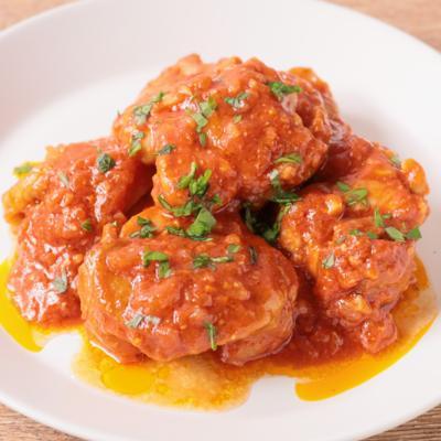 鶏肉の味噌トマトジュース煮込み