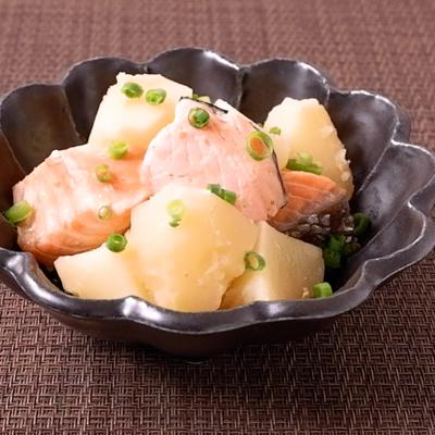 鮭とじゃがいもの味噌バター煮