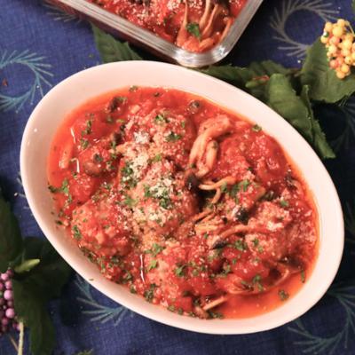 オーブンで焼きっぱなし!ミートボールのトマトソース煮
