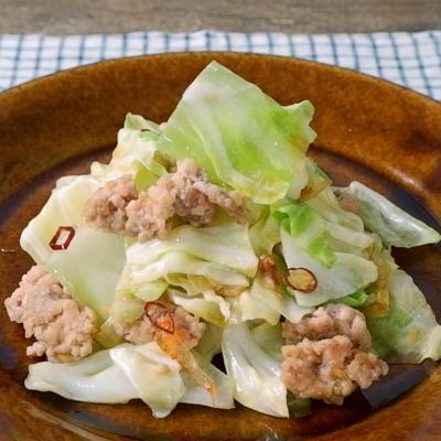 キャベツと鶏肉の中華炒め