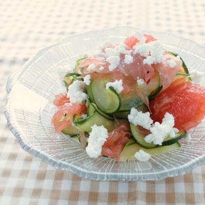 ズッキーニとグレープフルーツのサラダ