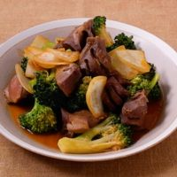 砂肝とブロッコリーのカレー風味炒め
