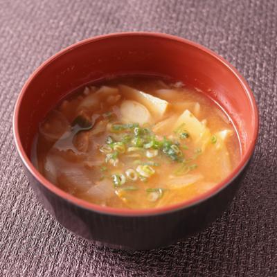 タケノコとキムチのピリ辛納豆汁
