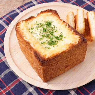 スロッピージョーで食パンまるごとチーズトースト