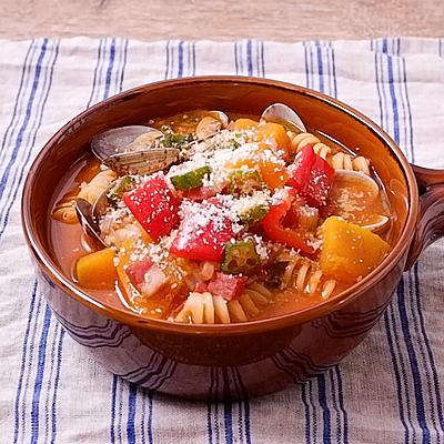 アサリと野菜たっぷりガンボスープパスタ