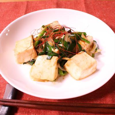 プルプル食感!ニラと豆腐のオイスター炒め