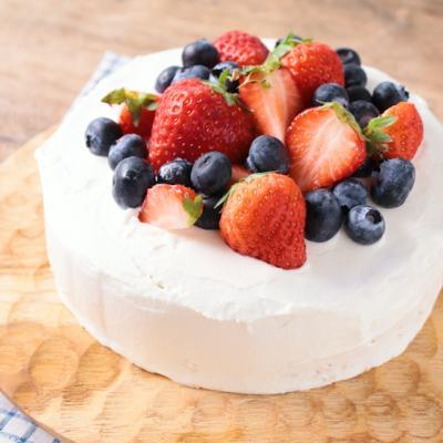 低糖質のデコレーションケーキ