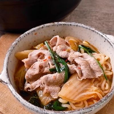 ピリ辛 豚キムチの煮込みラーメン