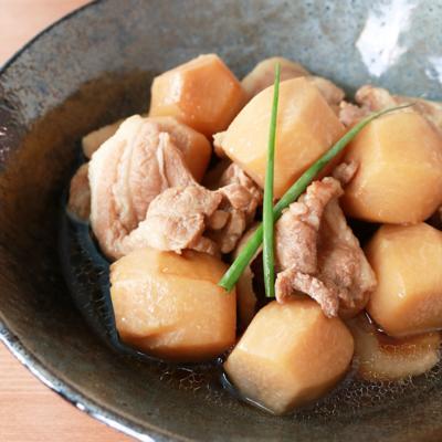 里芋と豚バラ肉の煮物