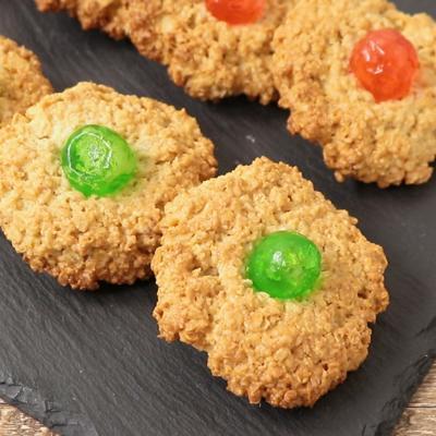 オートミールとチェリーのクッキー
