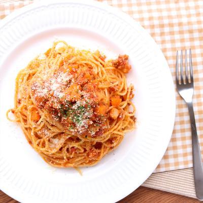 人参とレンコンの根菜ミートソーススパゲティ