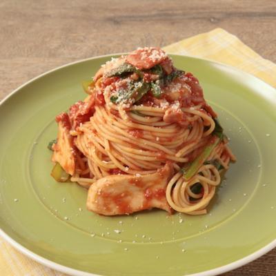 小松菜とエリンギのトマトソーススパゲティ