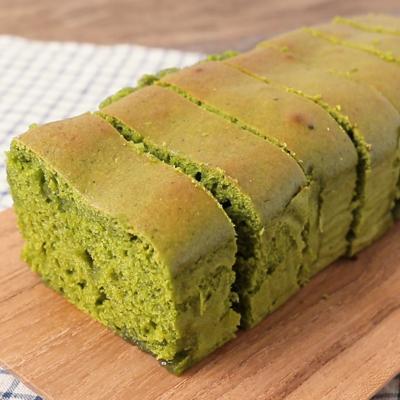 しっとり抹茶のマシュマロパウンドケーキ
