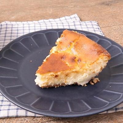 スキレットでベイクドチーズケーキ