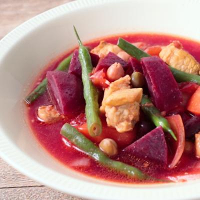 ごろごろ ビーツと野菜たっぷりスープ