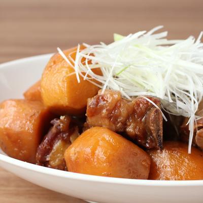 照りウマ 里芋とスペアリブの煮物