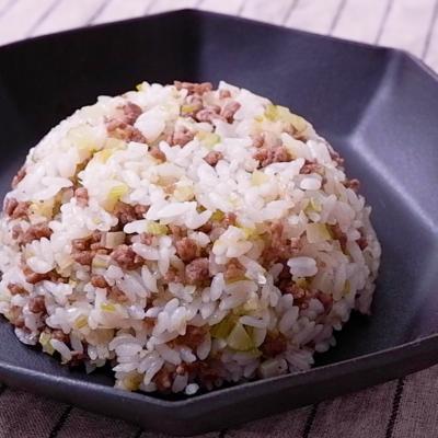 ひき肉とセロリの旨塩チャーハン