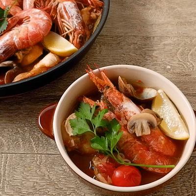 魚介の旨味たっぷり チョッピーノスープ