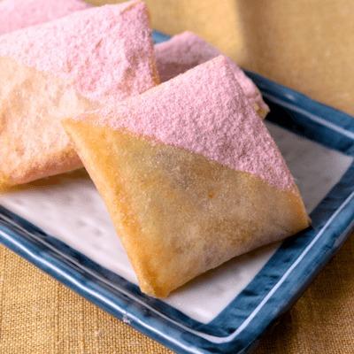 ピンク色が可愛い 桜餅春巻き