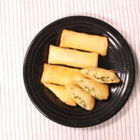 ゴーヤとチーズのおつまみ春巻き
