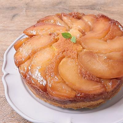 りんごがたっぷり タルトタタン