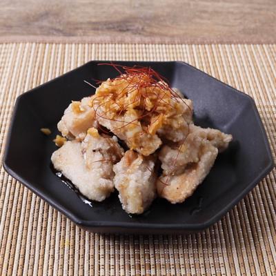 ピリ辛長ねぎソースで 鶏なんこつ揚げ