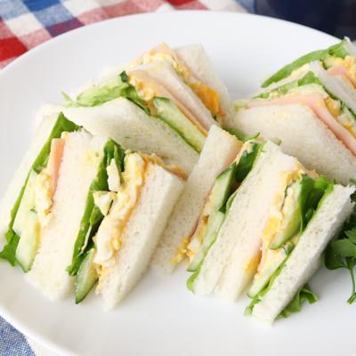 オーソドックスで美味しい たまごとハムのサンドイッチ